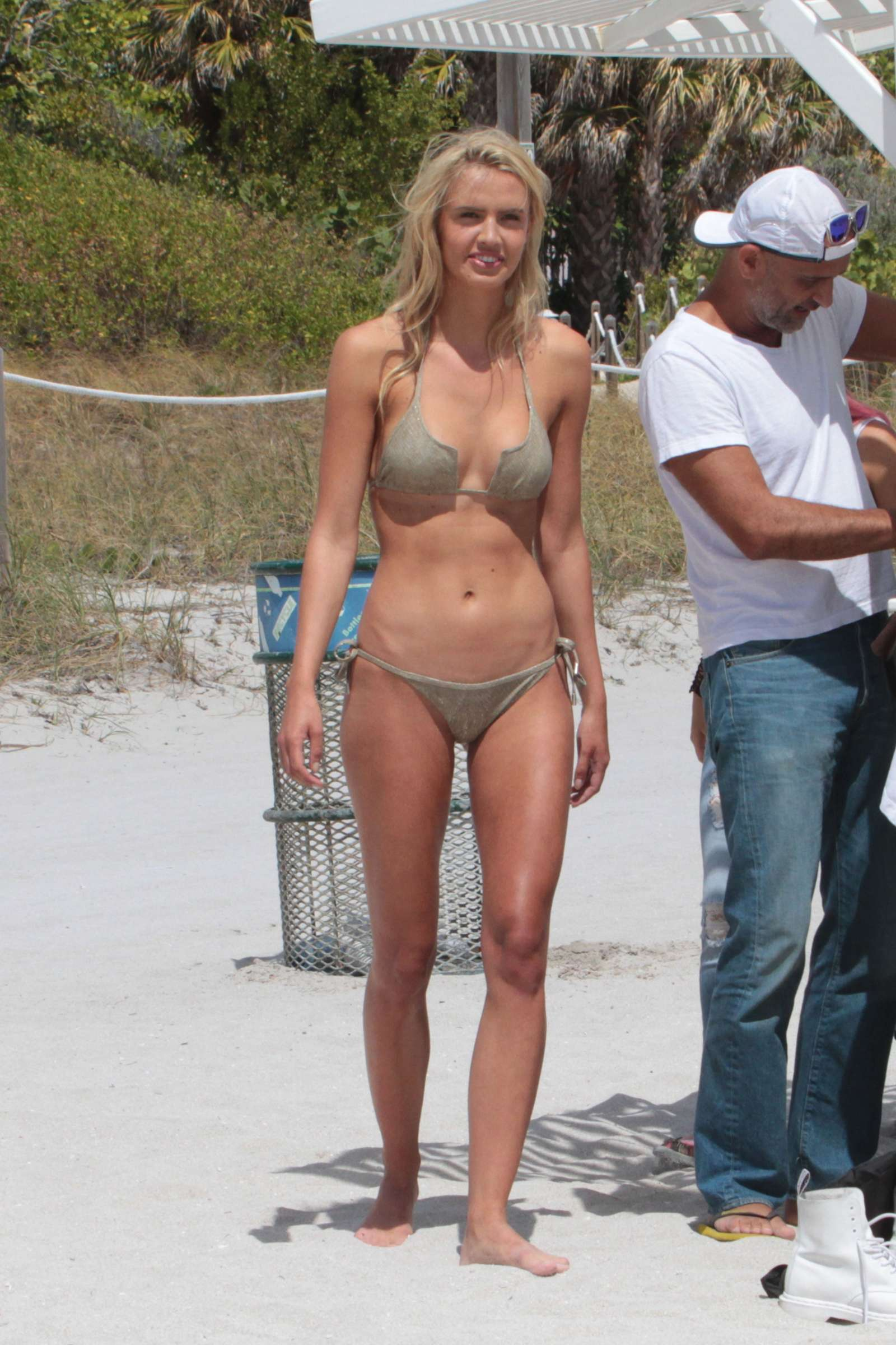 Carolina Lavinia – Bikini Photoshoot on Miami Beach