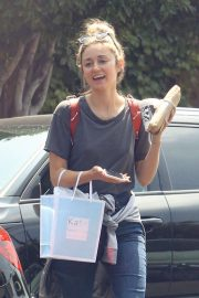 Caroline D'Amore - Shopping in Hollywood