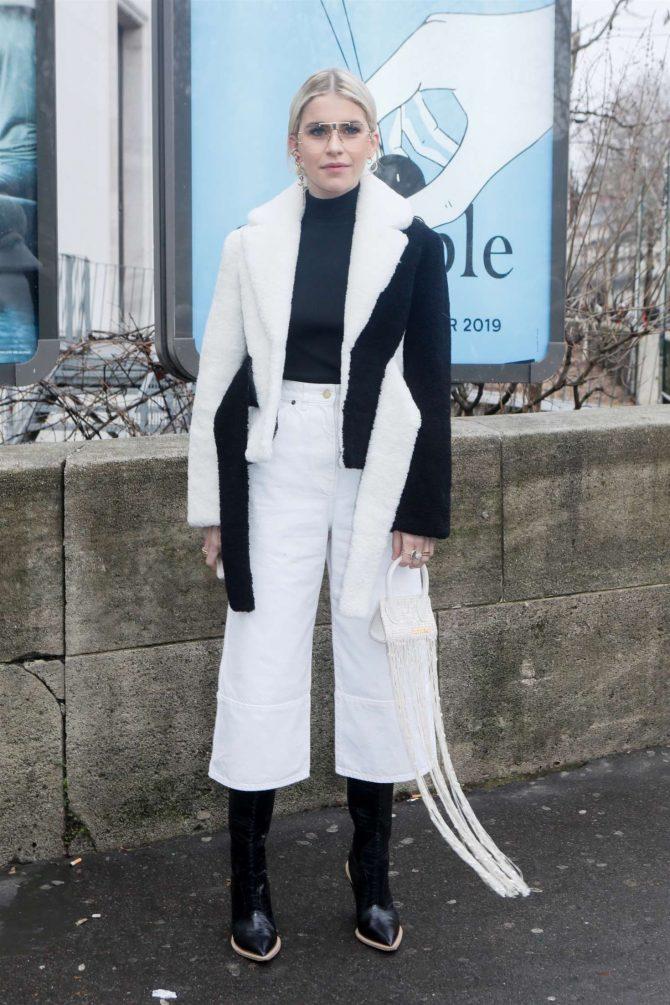 Caroline Daur - Arrives at the Jacquemus Show in Paris