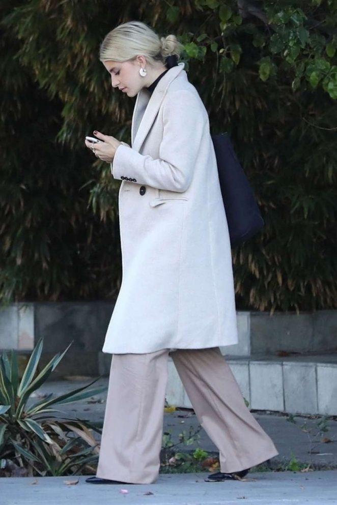 Caroline Daur - Shopping on Melrose Place in Los Angeles