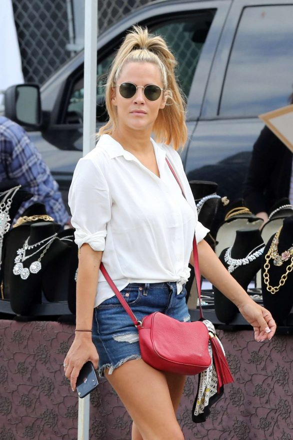 Caroline Flack at Fairfax Melrose Sunday Market in West Hollywood