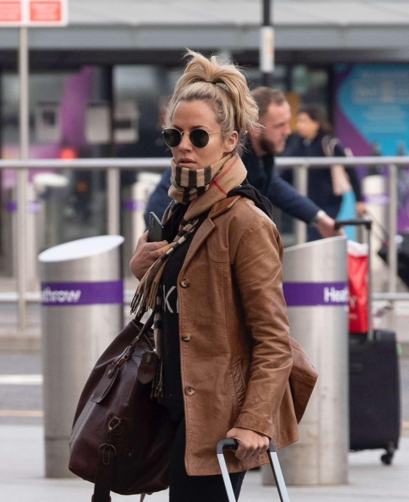 Caroline Flack 2020 : Caroline Flack flees the UK -02