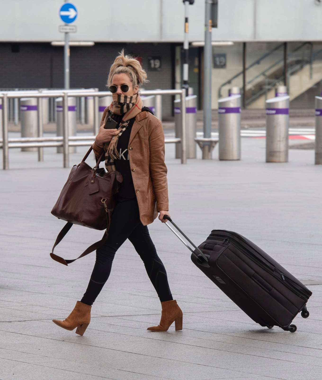 Caroline Flack 2020 : Caroline Flack flees the UK -04