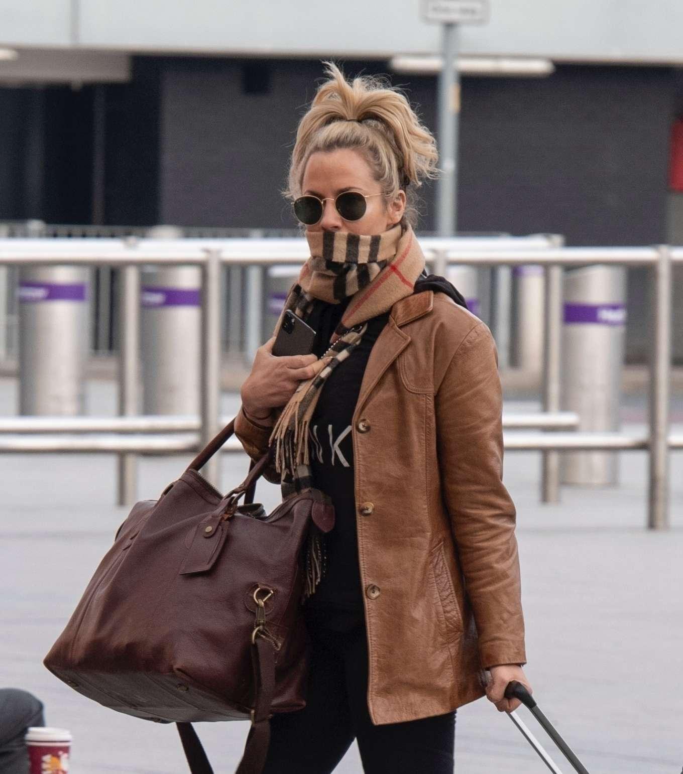 Caroline Flack 2020 : Caroline Flack flees the UK -10