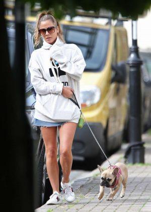 Caroline Flack - Walking her dog in London