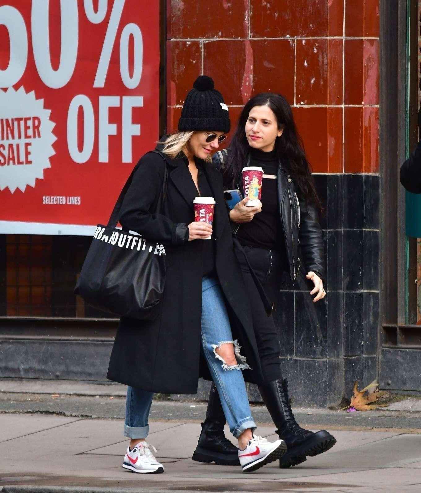 Caroline Flack 2019 : Caroline Flack with friends shopping in East London-04