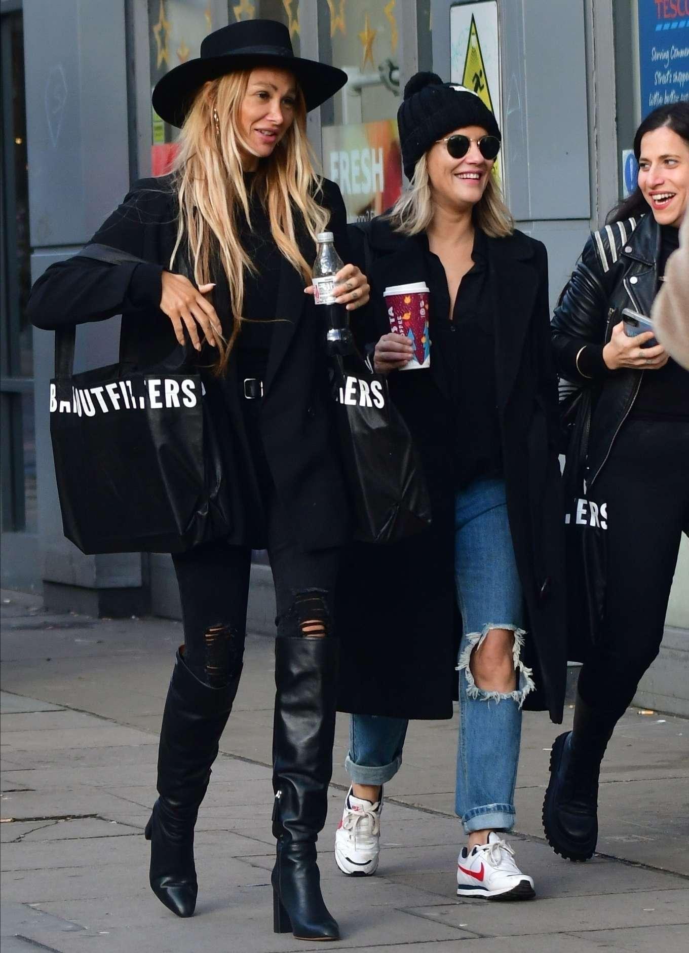 Caroline Flack 2019 : Caroline Flack with friends shopping in East London-07