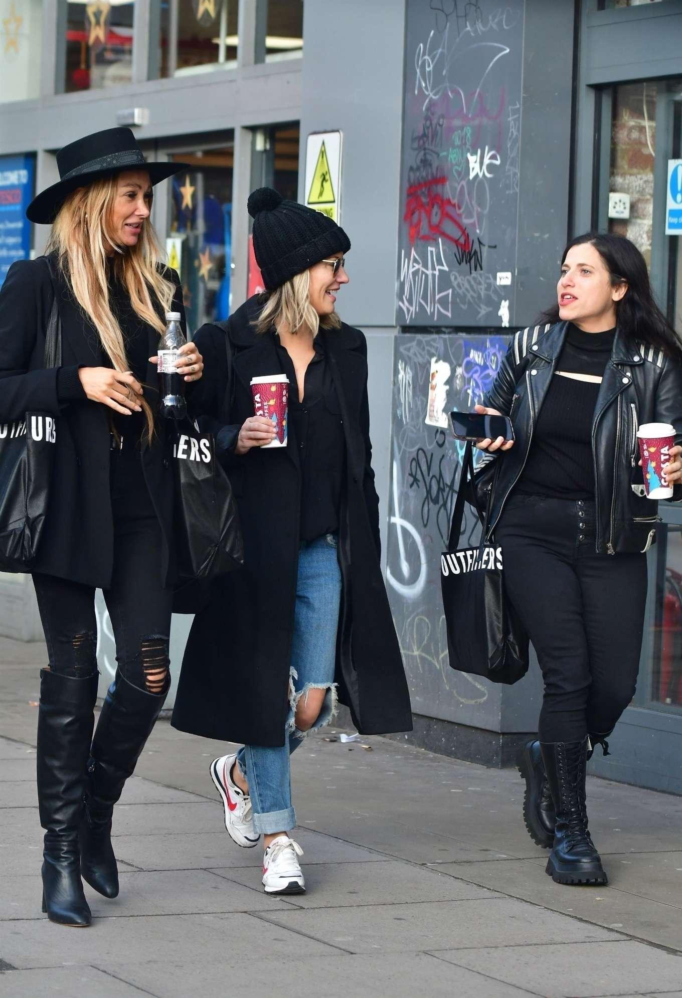 Caroline Flack 2019 : Caroline Flack with friends shopping in East London-09