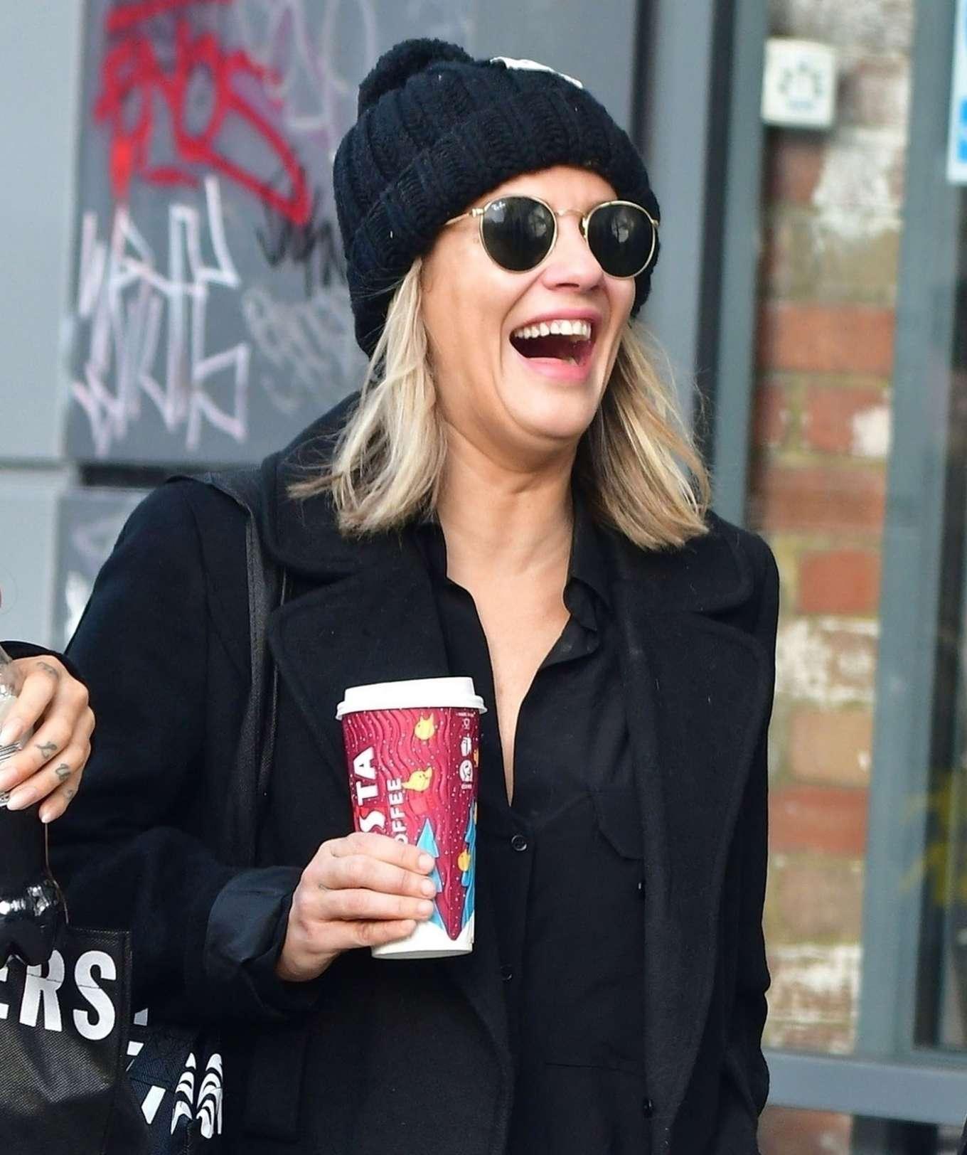 Caroline Flack 2019 : Caroline Flack with friends shopping in East London-11