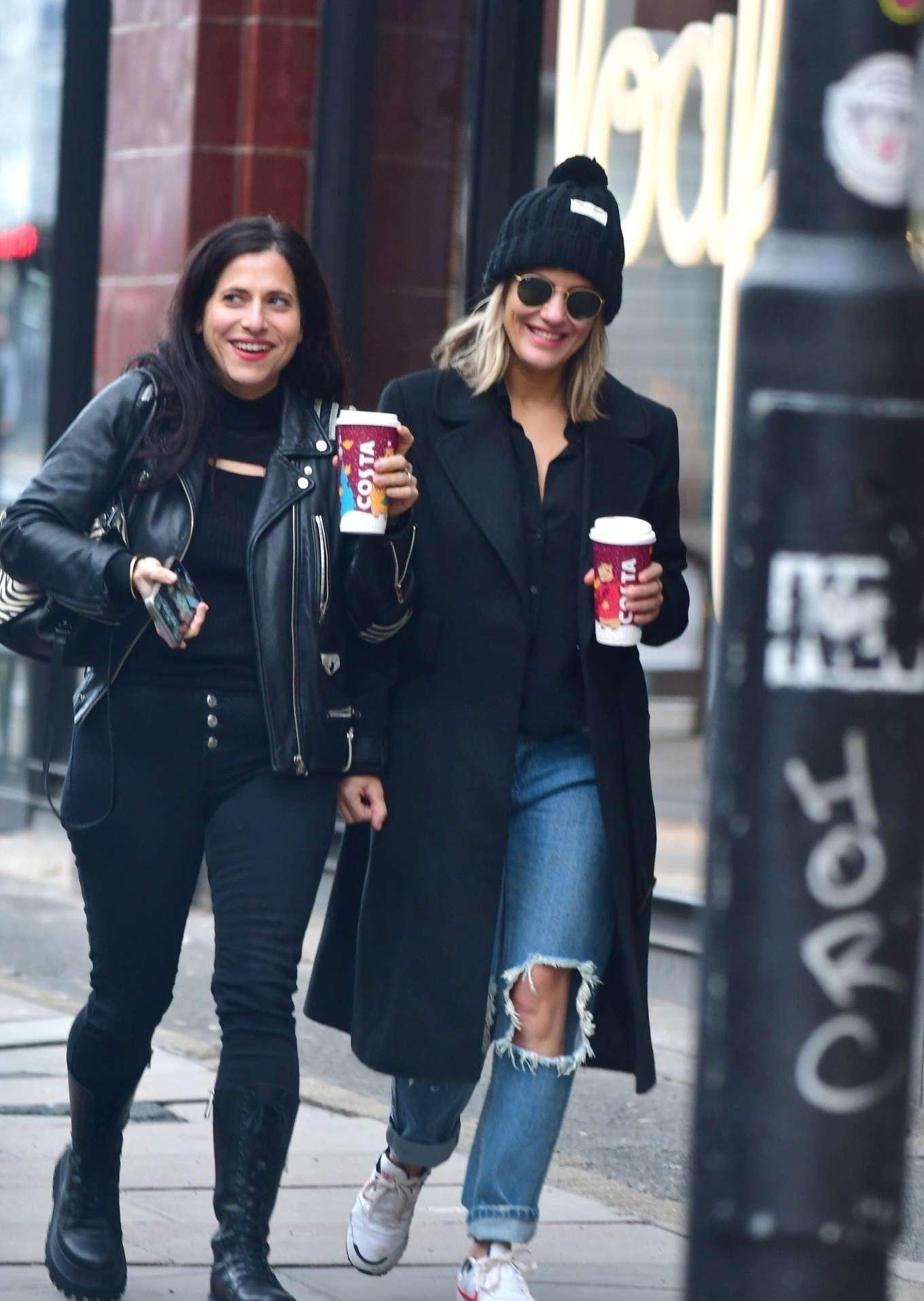 Caroline Flack 2019 : Caroline Flack with friends shopping in East London-20