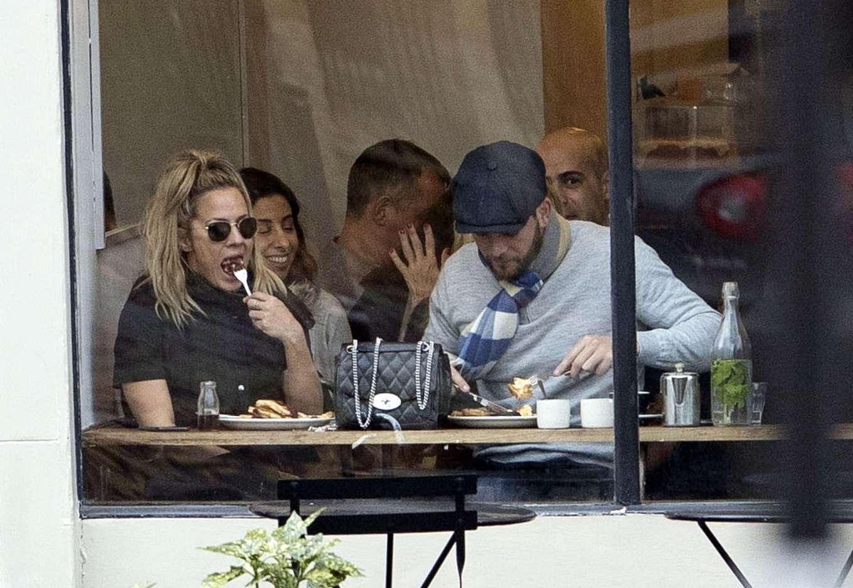Caroline Flack 2019 : Caroline Flack with her boyfriend Lewis Burton at local cafe in North London-08