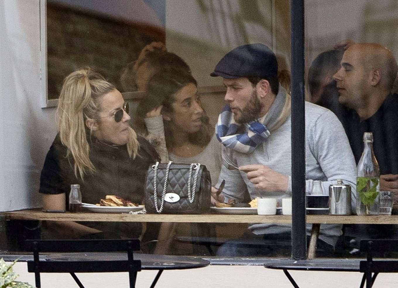 Caroline Flack 2019 : Caroline Flack with her boyfriend Lewis Burton at local cafe in North London-09