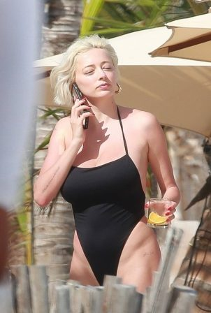 Caroline Vreeland - In a black swimsuit with friends in Tulum