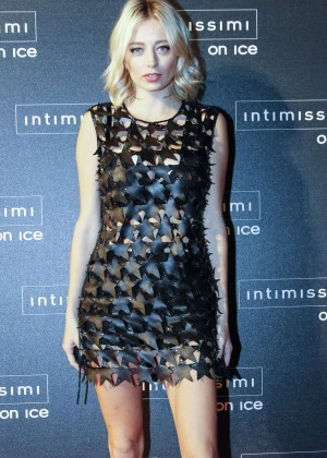 Caroline Vreeland - Intimissimi On Ice 2015 in Verona