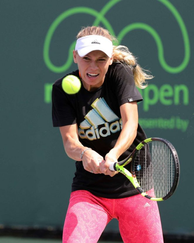 Caroline Wozniacki On the practice court day 4 in Key Biscayne