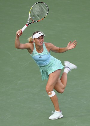 Caroline Wozniacki - WTA Dubai Duty Free Tennis Championship 2015 in Dubai