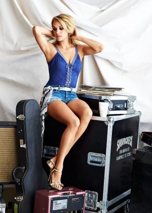 Carrie Underwood - Cosmopolitan Magazine (December 2015) adds