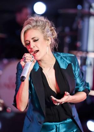 Carrie Underwood - Dick Clark's New Year's Rockin' Eve 2016 in New York City