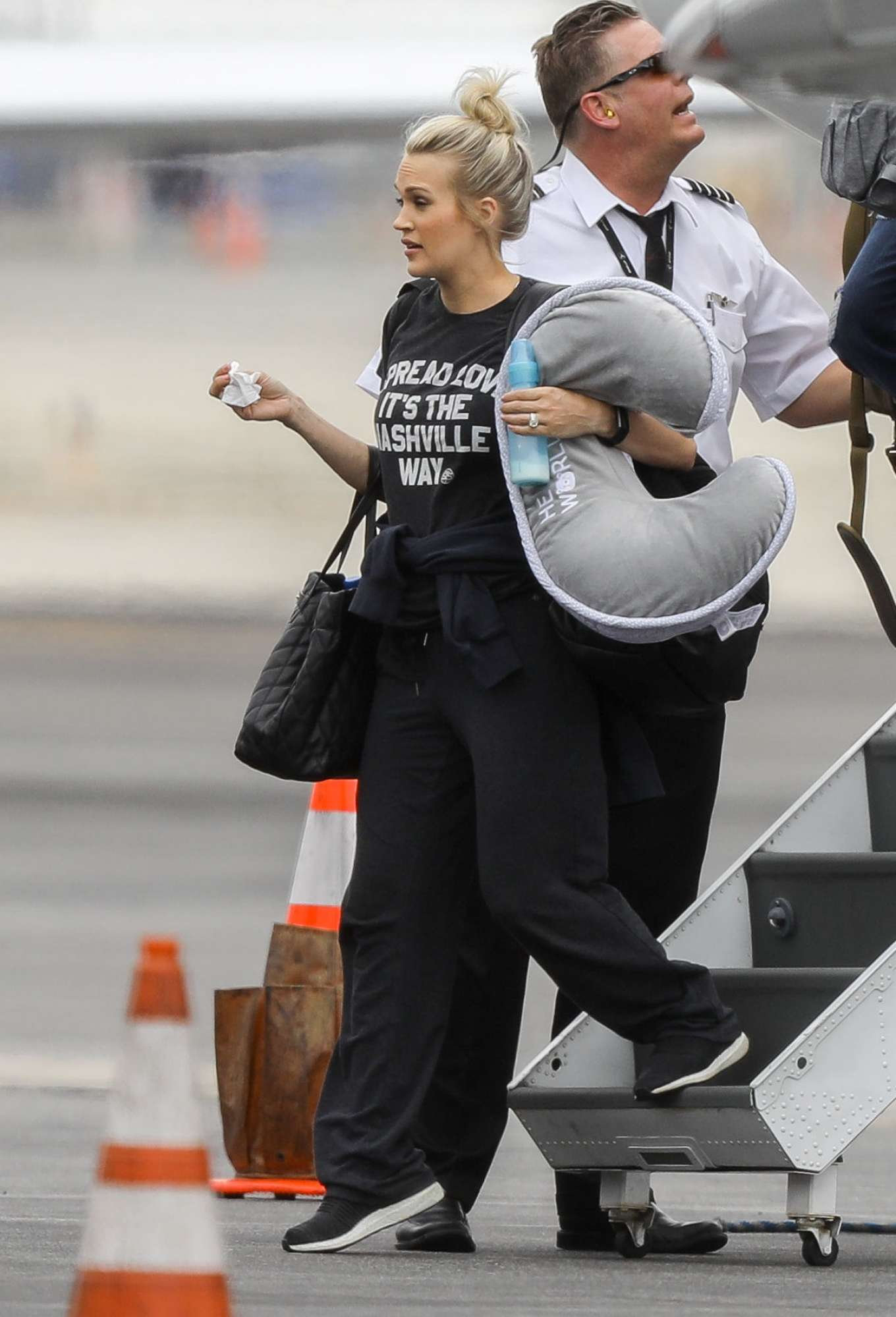 Carrie Underwood in a Private Jet Arriving in Los Angeles