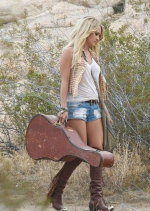Carrie Underwood in Jeans Shorts Filming her new music video in Mojave Desert
