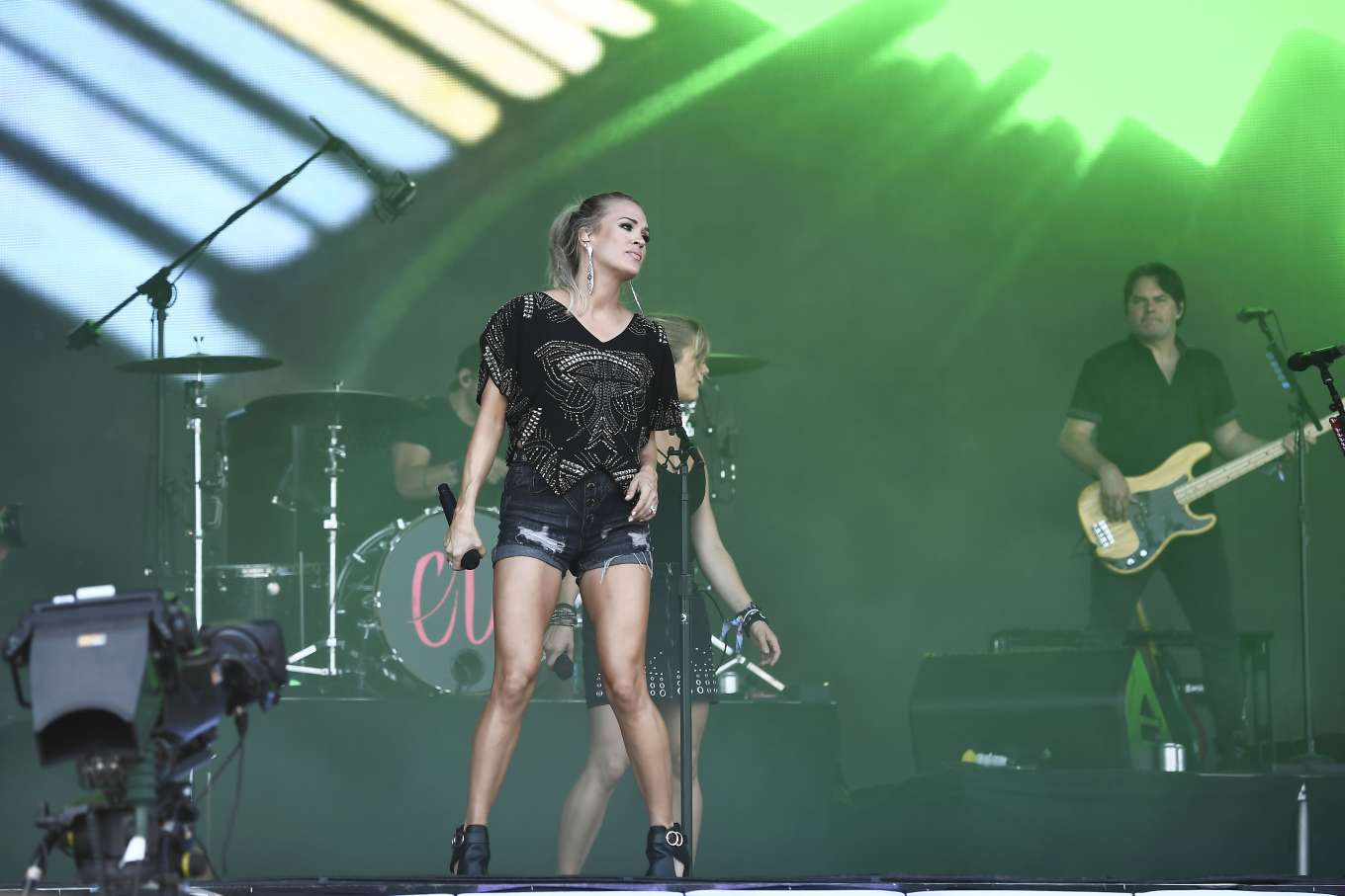 Carrie Underwood 2019 : Carrie Underwood – Performing on the Pyramid Stage at Glastonbury Festival-08