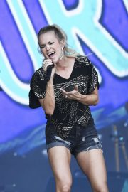 Carrie Underwood - Performing on the Pyramid Stage at Glastonbury Festival in Somerset