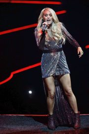 Carrie Underwood - Performs at the Pepsi Center in Denver