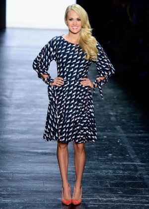 Carrie Underwood - Project Runway 2015 NYFW Show in NYC