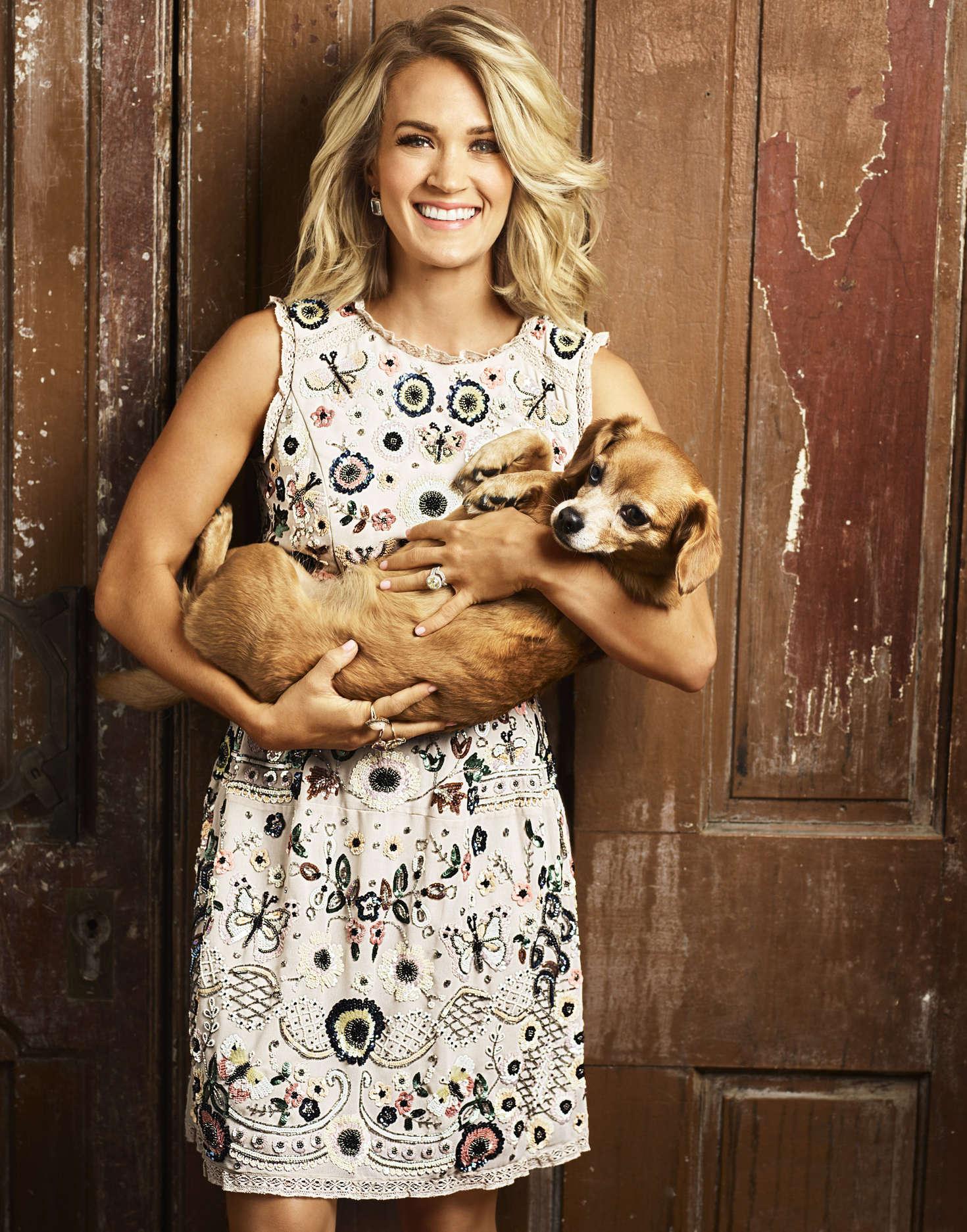 Carrie Underwood Redbook Magazine November 2016