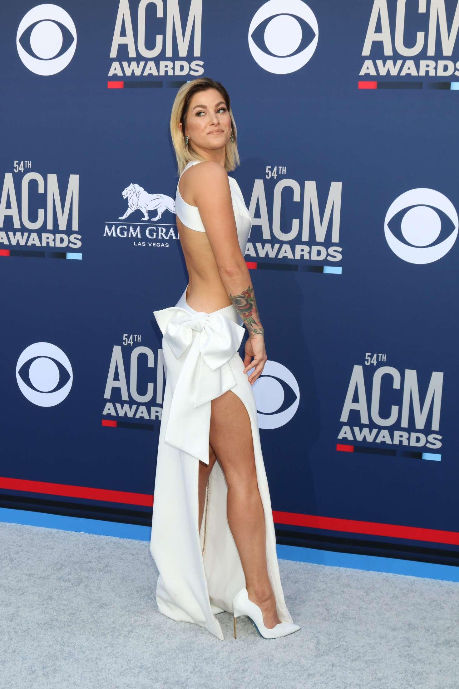 Cassadee Pope 2019 : Cassadee Pope: 2019 Academy of Country Music Awards -01
