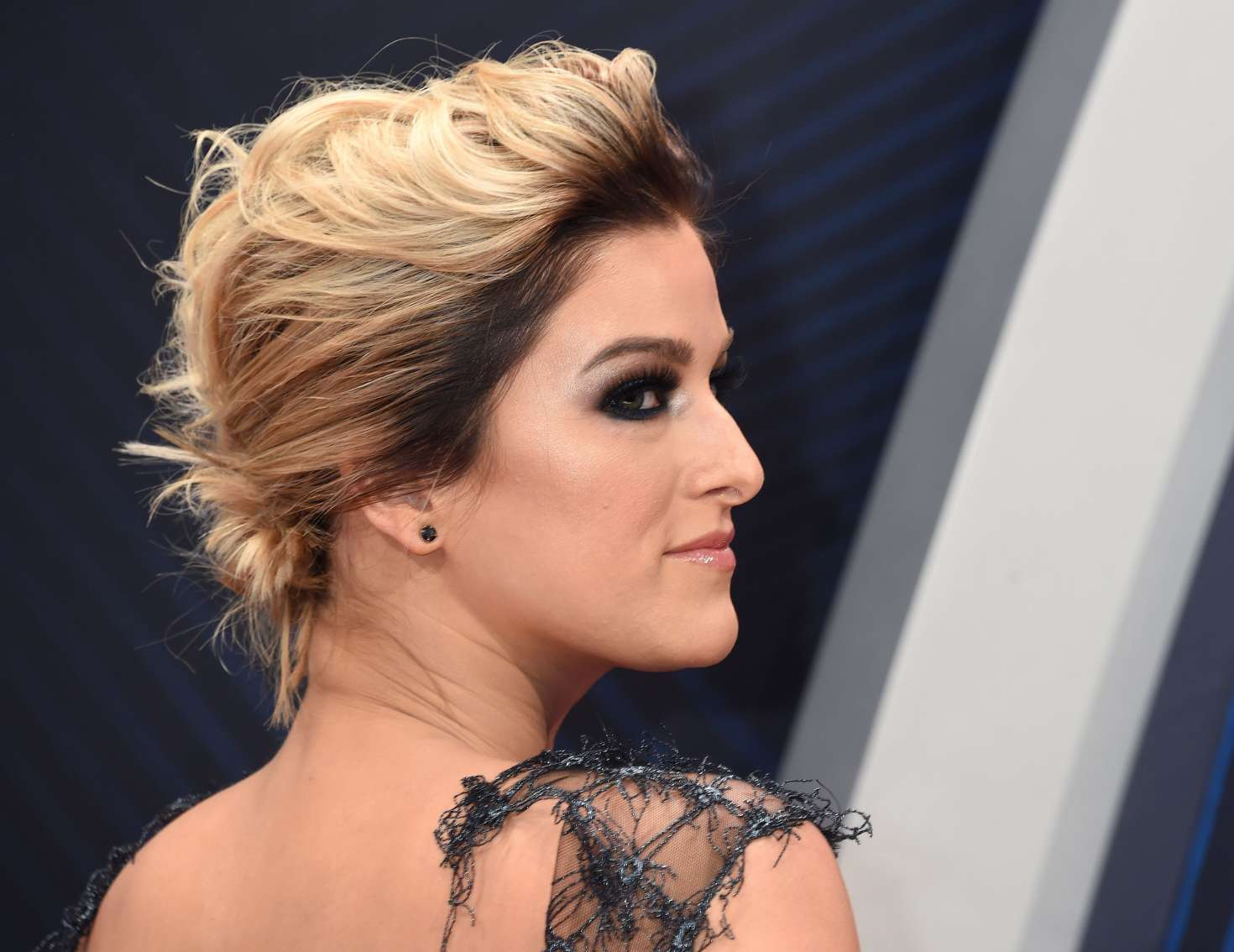 Cassadee Pope 2018 : Cassadee Pope: 2018 CMA Awards -01