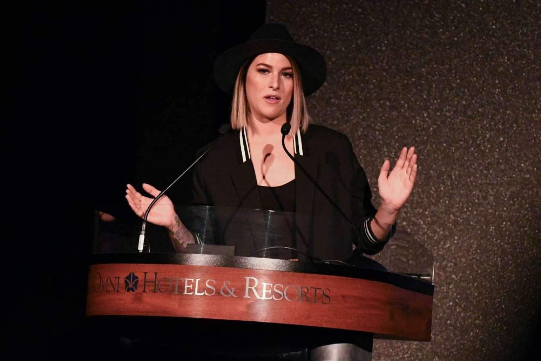 Cassadee Pope 2018 : Cassadee Pope: CRS 2018 Artisit Humanitarian Award and Tom Rivers Award -02