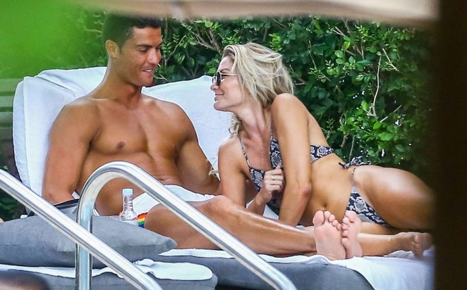 Cassandre Davis and Cristiano Ronaldo at a pool in Miami