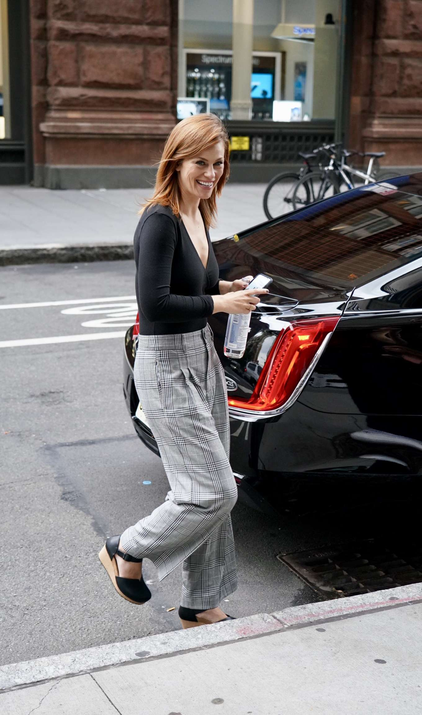 Cassidy Freeman 2019 : Cassidy Freeman – Arriving at Build Studios-04