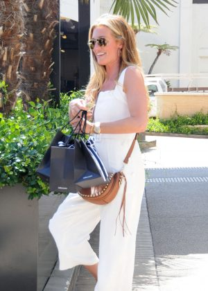Cat Deeley - Shopping at Barneys NY in Los Angeles