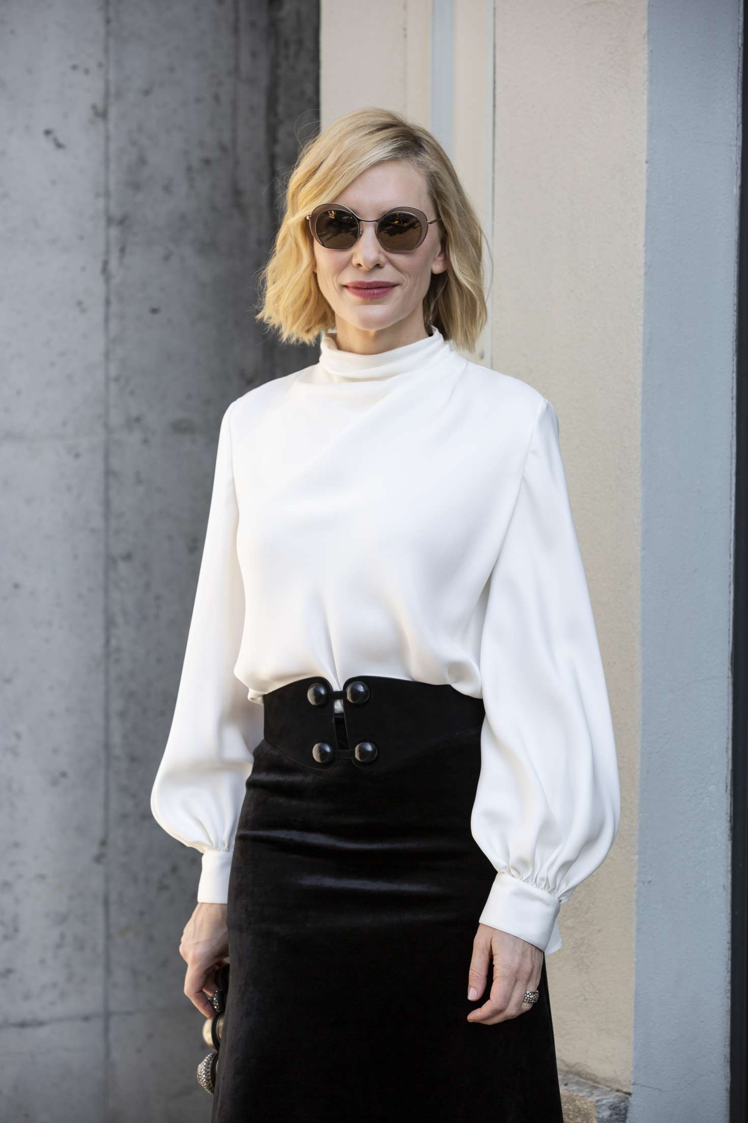 Cate Blanchett – Arrives at Armani Fashion Show in Milan