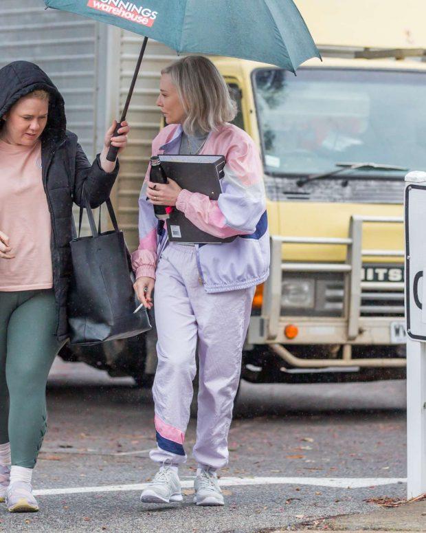 Cate Blanchett 2019 : Cate Blanchett: Arrives at the set of Stateless-02