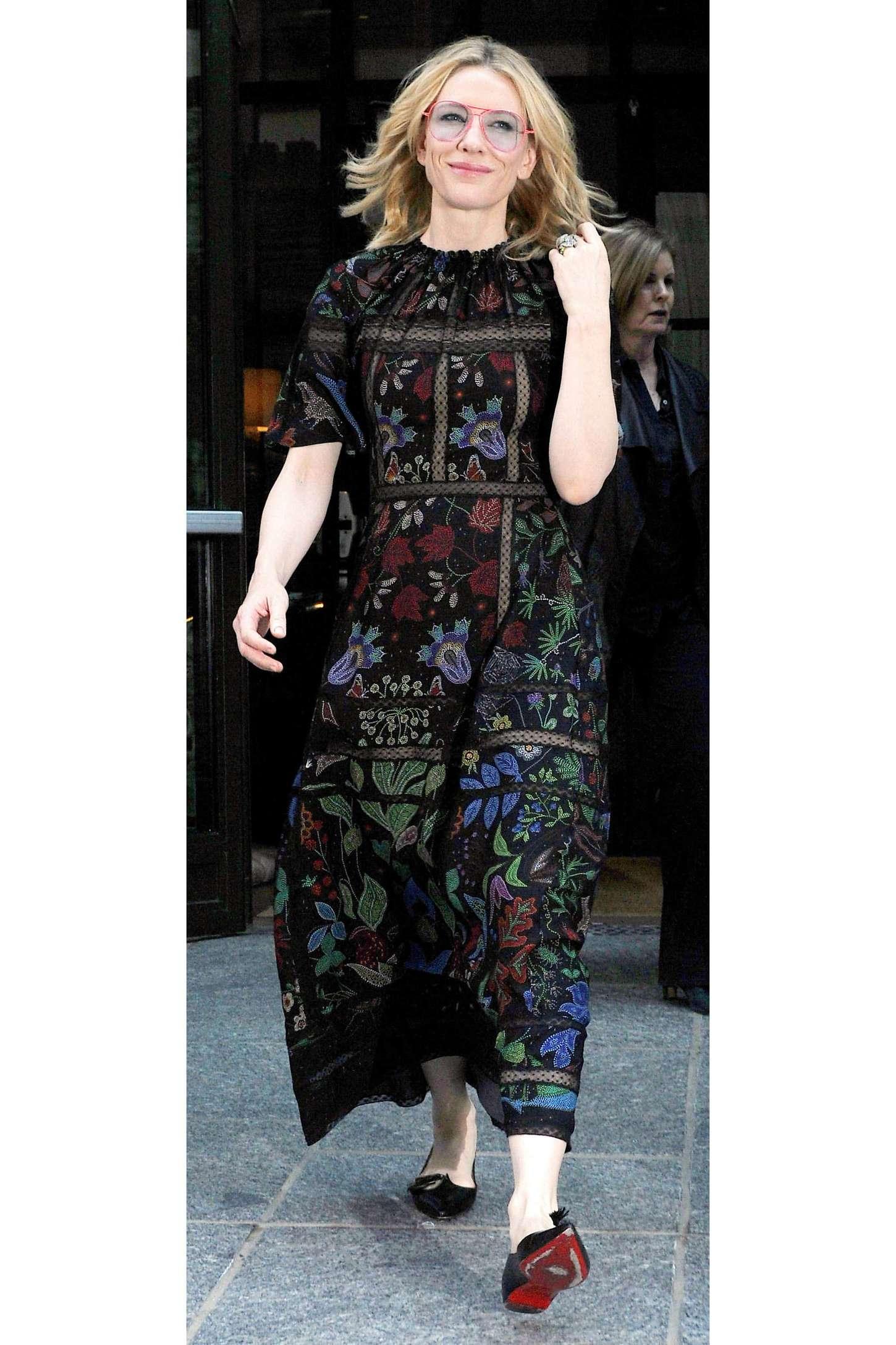 Cate Blanchett 2015 : Cate Blanchett: Leaves her Soho Hotel -12