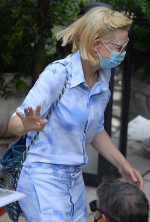 Cate Blanchett - Leaving her hotel in Venice
