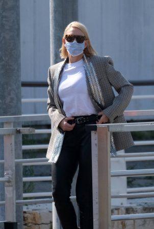 Cate Blanchett - Looks stylish as she leaves the Venice Film Festival in Venice