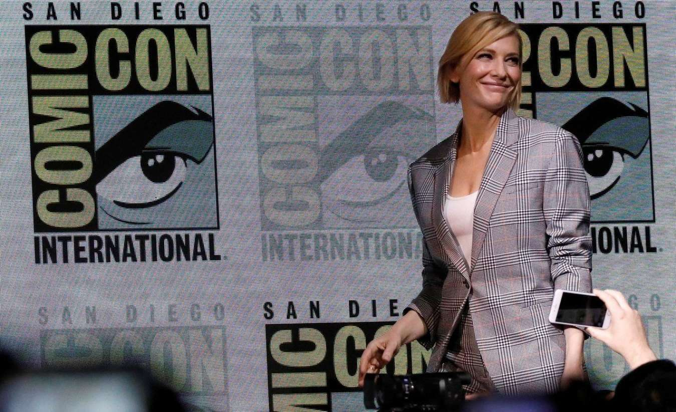 Cate Blanchett 2017 : Cate Blanchett: Marvel Studios Panel at San Diego Comic-Con 2017-01