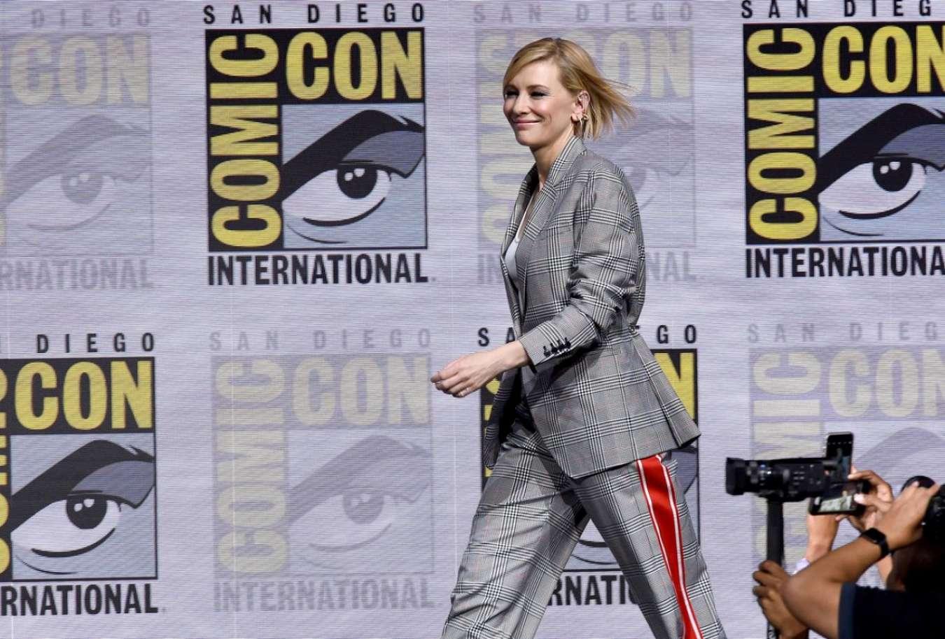Cate Blanchett 2017 : Cate Blanchett: Marvel Studios Panel at San Diego Comic-Con 2017-03