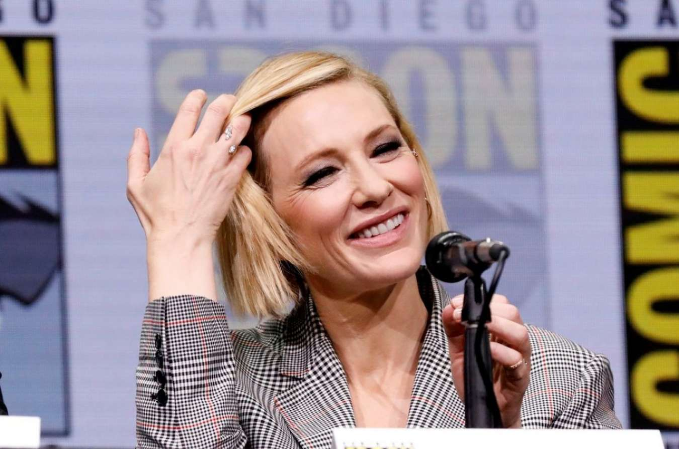Cate Blanchett 2017 : Cate Blanchett: Marvel Studios Panel at San Diego Comic-Con 2017-07