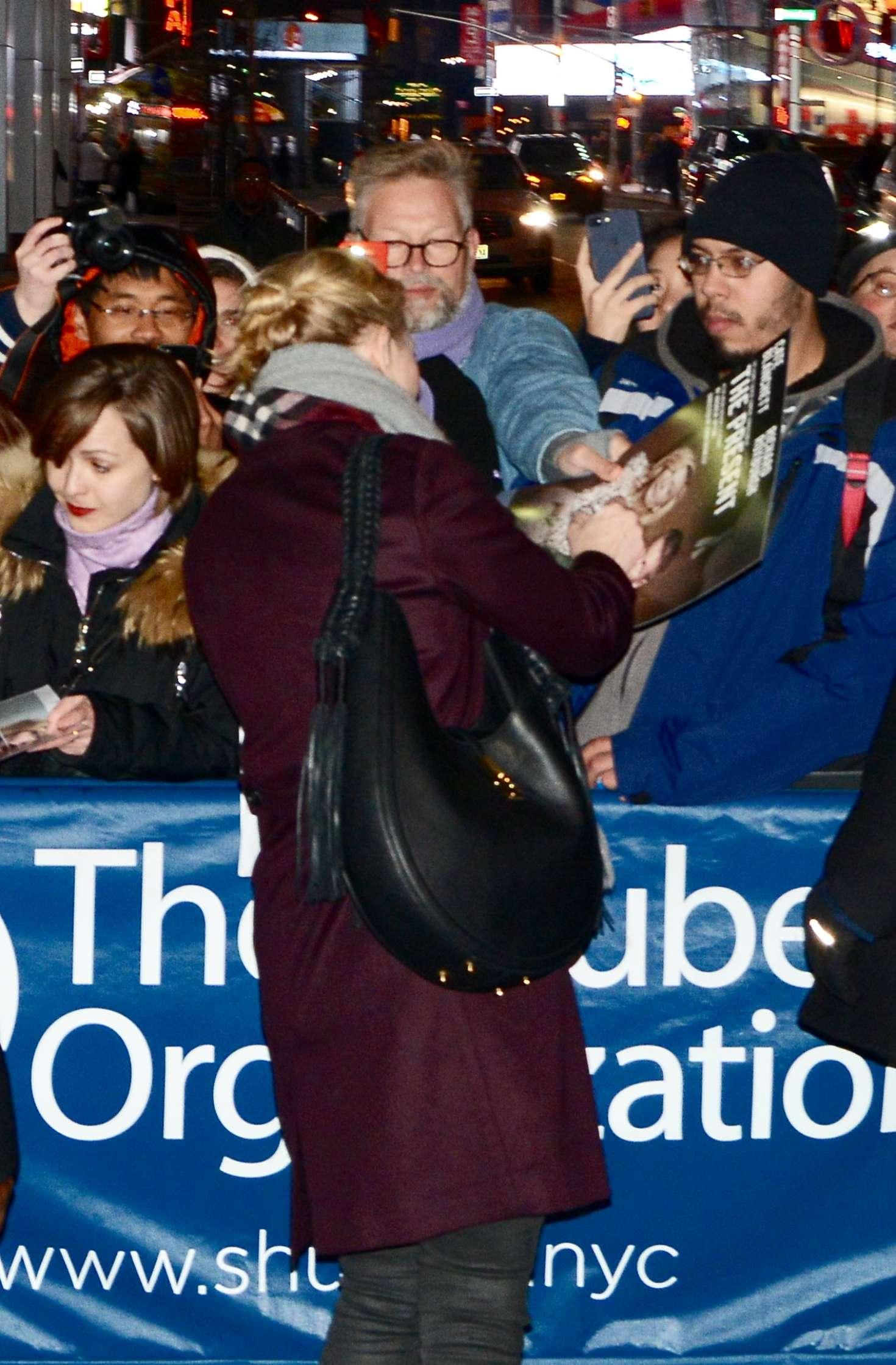 Cate Blanchett 2017 : Cate Blanchett: Meets fans after her broadway performance -03