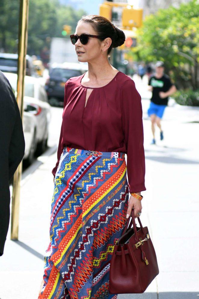 Catherine Zeta Jones - Seen leaving her NYC Apartment