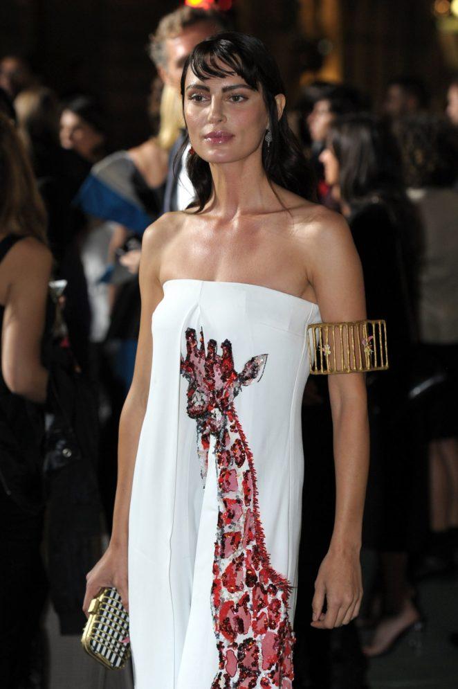 Catrinel Marlon – Green Carpet 2017 Fashion Awards in Italia