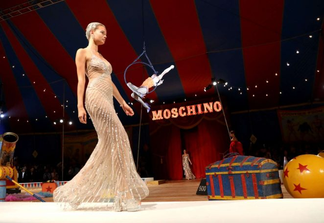 Cayley King - Moschino Runway Show SS 2019 Menswear and Women's Resort Collection in LA