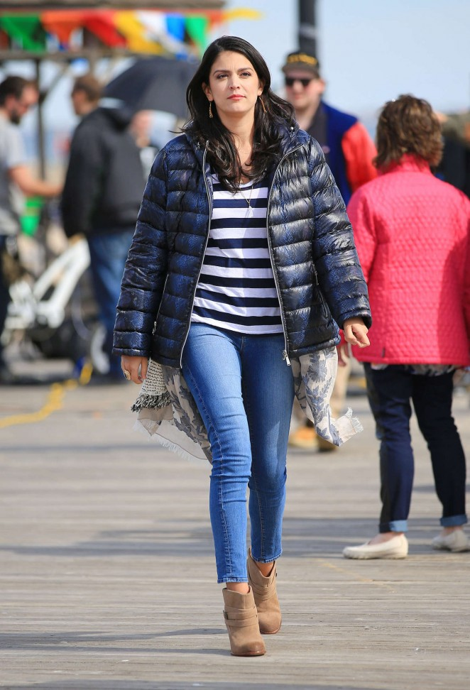 Cecily Strong in Jeans out in NYC