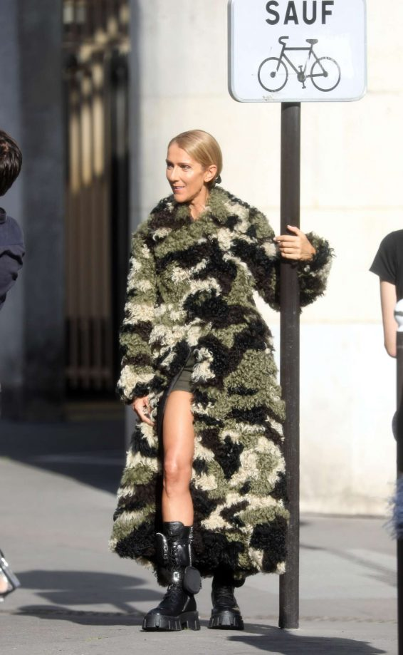 Celine Dion - Attending a photo shooting in the streets of Paris