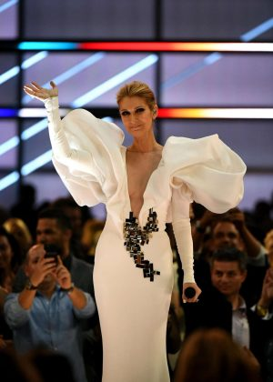 Celine Dion - Performing at 2017 Billboard Music Awards in Las Vegas